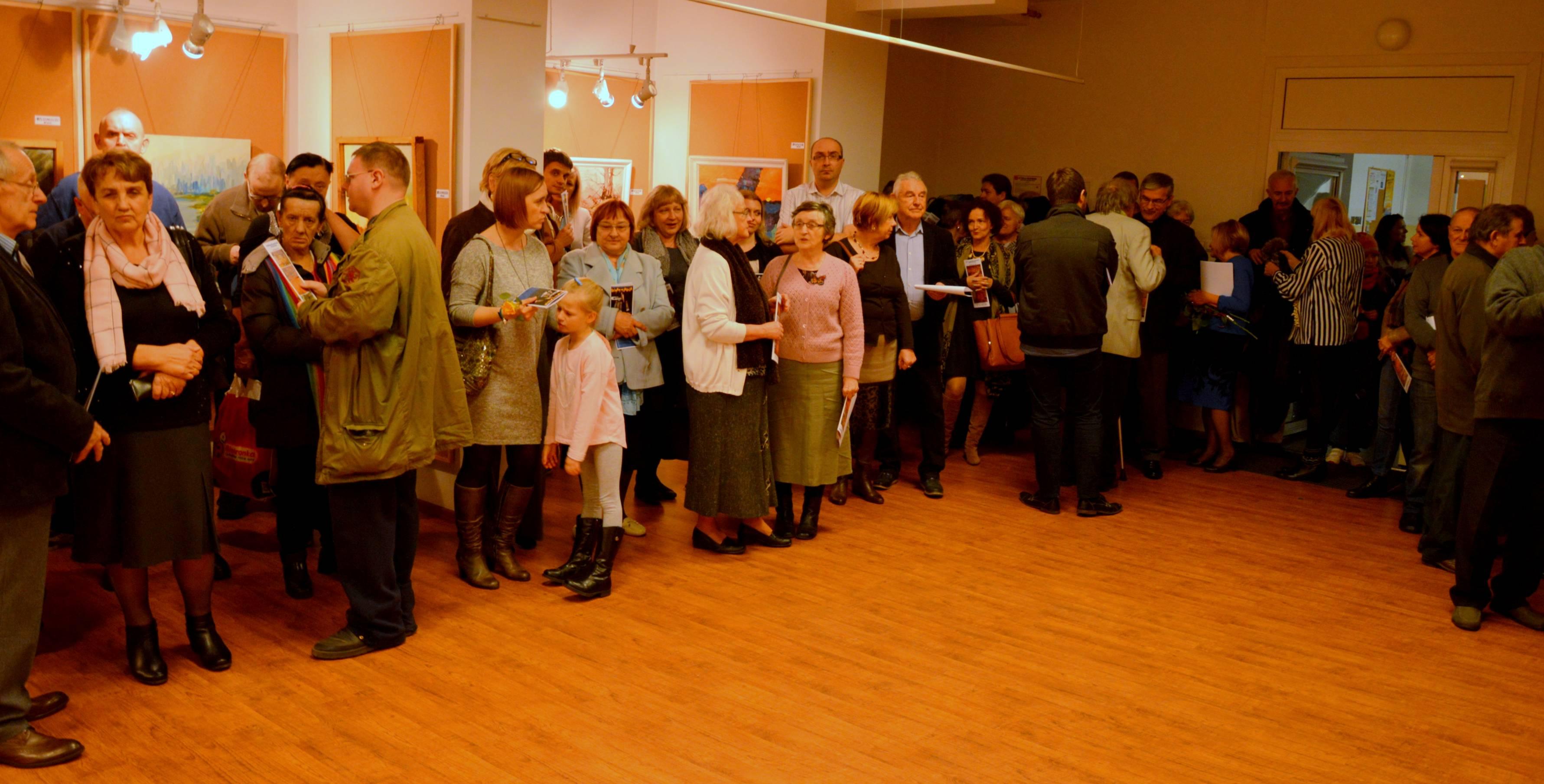 Grupa nieformalna i zaproszeni goście – wystawa otwarta – fotorelacja