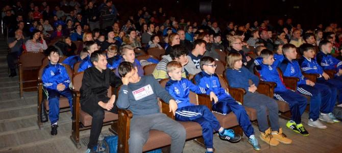 Pokaz sztuczek piłkarskich Pawła Skóry – fotorelacja