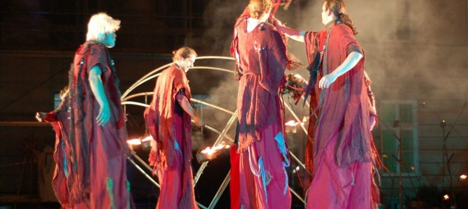 Sierpniowa Noc Folkowa z Teatrem Ognia – fotorelacja