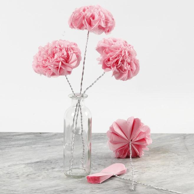 """Dzień Kobiet / kwiaty """"bibulaki"""" i najserdeczniejsze życzenia"""